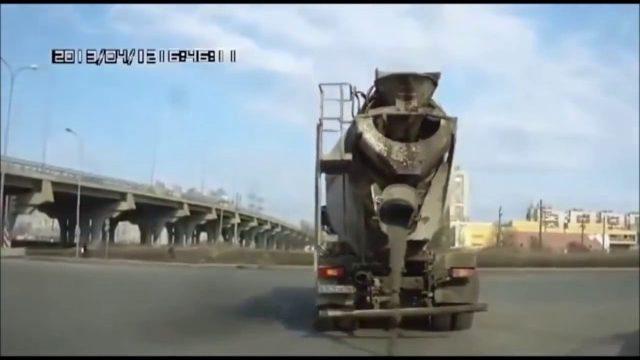Debile na drogach | śmieszne wypadki i dziwne sytuacje #4